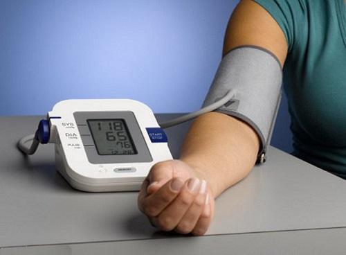 Izmerenie davleniya tonometrom