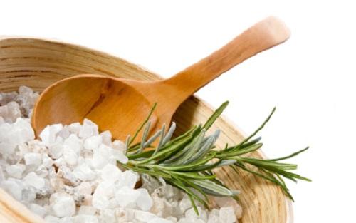 Морская соль – применение в народной медицине