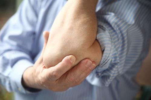 Из-за чего возникают боли в суставах