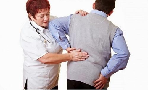 Как оказать помощь при приступе почечной колики