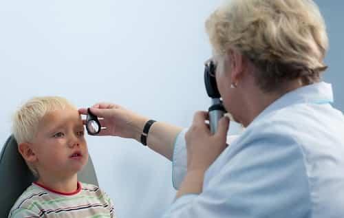 Kosoglazie u detej - prichiny i lechenie